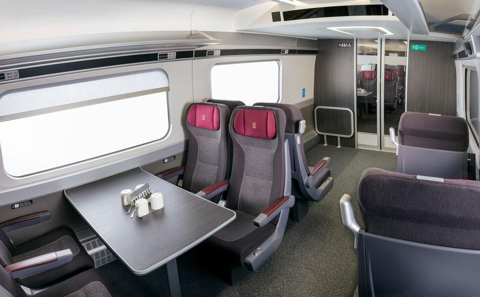Hitachi Class800 series - First Class interiors
