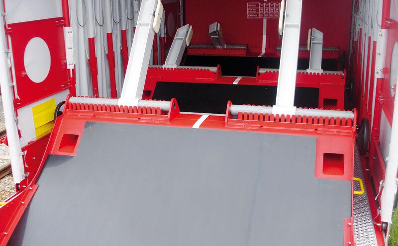 Elastische Muldenauskleidung auf Güterwaggon-1